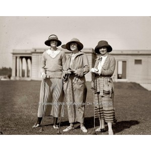Beautiful Lady Golfers-1923